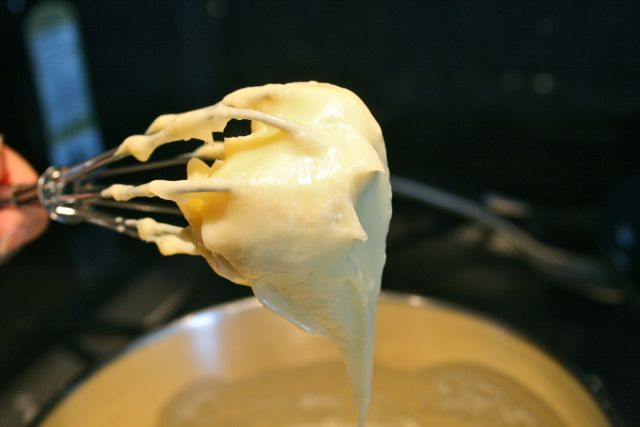 The finished pastry cream.