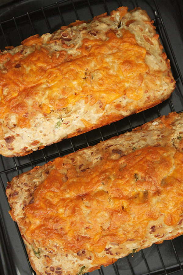 cheesy_beer_quick_bread_5