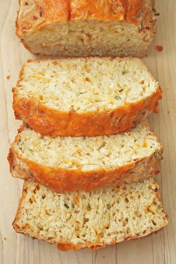 cheesy_beer_quick_bread_6