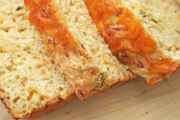 cheesy_beer_quick_bread_7