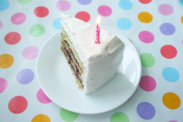 lemon_poppyseed_cake_marshmallow_frosting