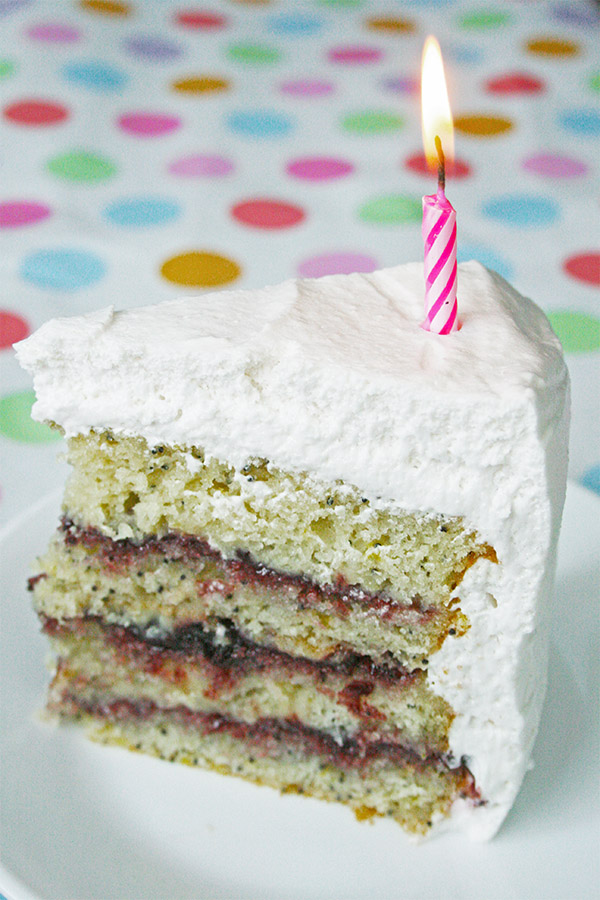 lemon_poppyseed_cake_marshmallow_frosting_1