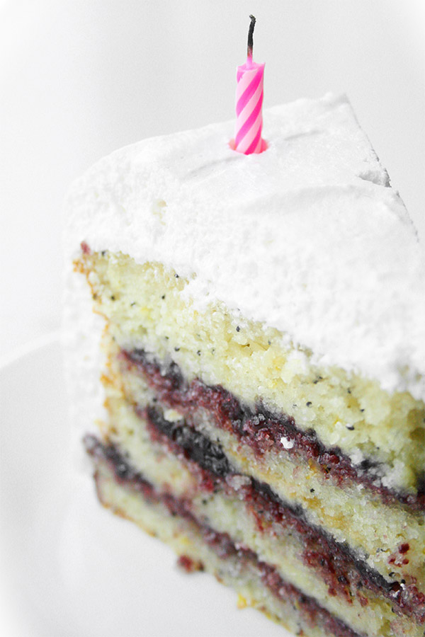 lemon_poppyseed_cake_marshmallow_frosting_4