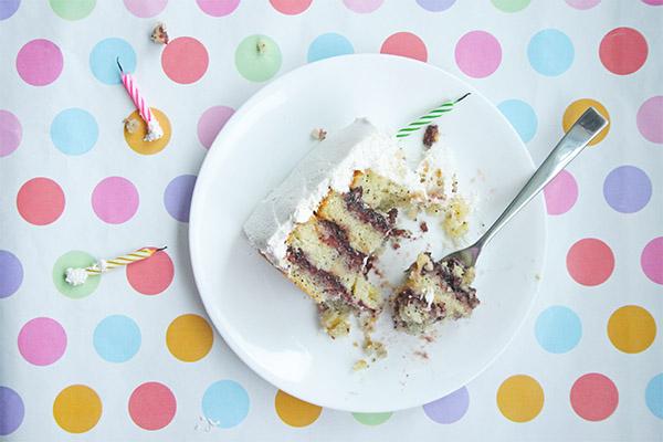 lemon_poppyseed_cake_marshmallow_frosting_7