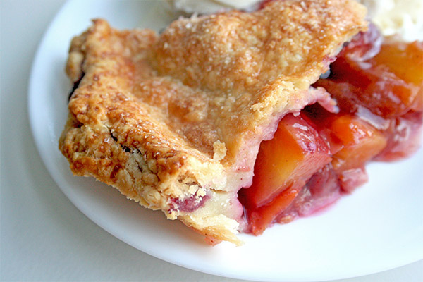 Peach_blueberry_pie_4