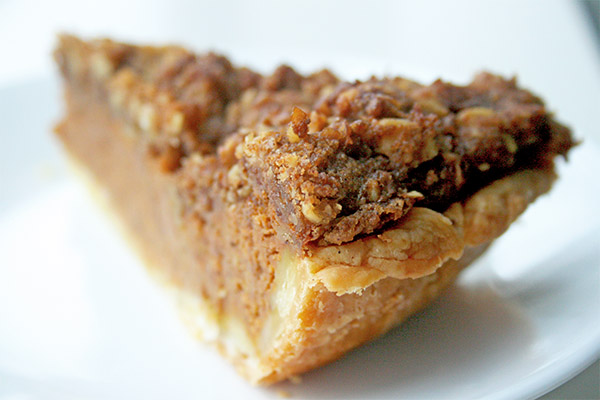 Pumpkin_bourbon_crumb_pie_7