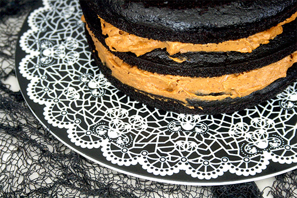 Chocolate_pumpkin_layer_cake_2