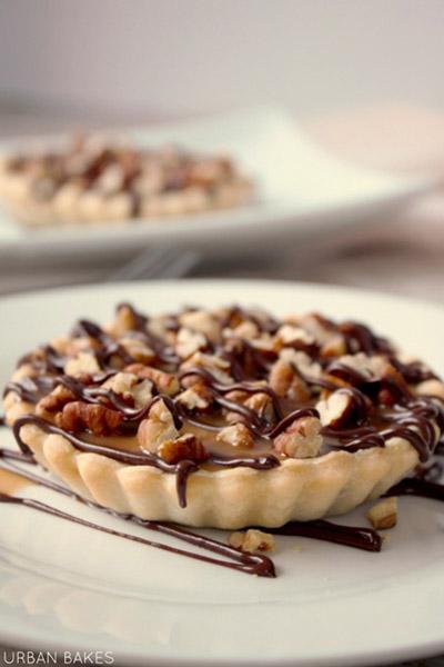 Turtle Cheesecake Tartlet