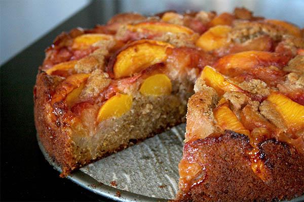 Peach plum cake | www.gottagetbaked.com