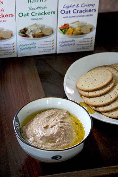 Walnut garlic hummus | www.gottagetbaked.com
