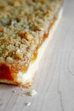 Apricot Jam Crumb Bars | www.gottagetbaked.com