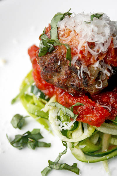 Zoodles and meatballs | www.gottagetbaked.com