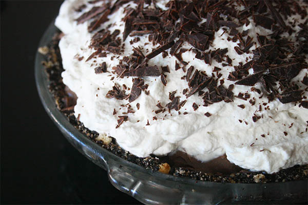 Mint chocolate cream pie | www.gottagetbaked.com